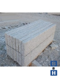 Kantstein naturlig hugget fin type  1000x120x250mm